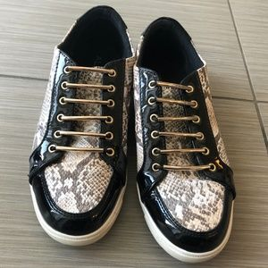 Aldo Snakeskin Print & Black Sneaker Shoes sz 9